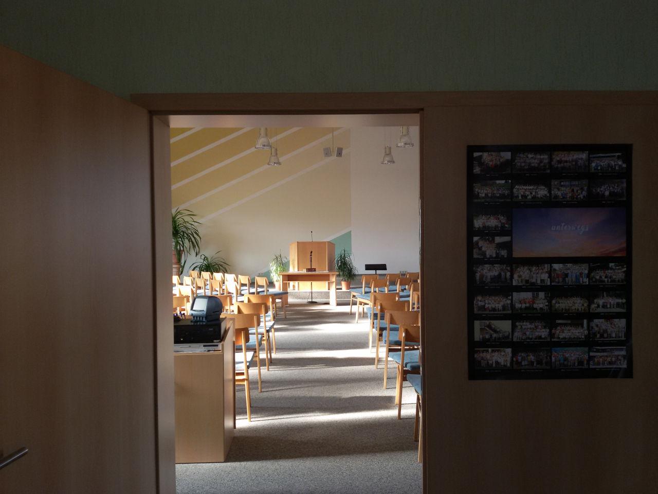 Eingang zum Saal